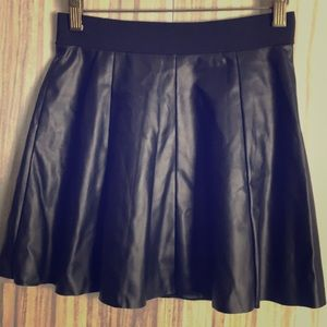 Forever 21 | Faux Leather Skirt | Size XS |